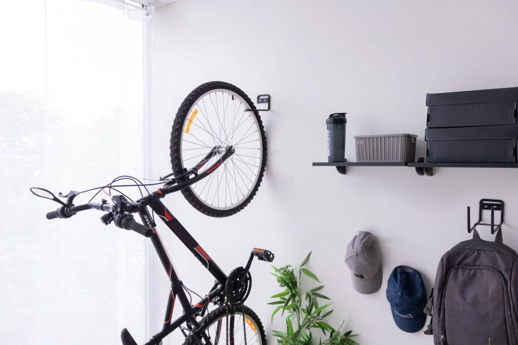 Suporte vertical para bicicleta aramado