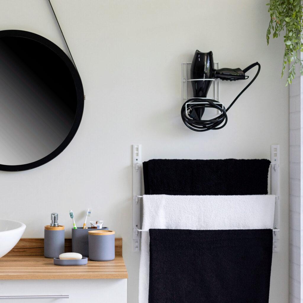 Suporte para organizar secador de cabelo