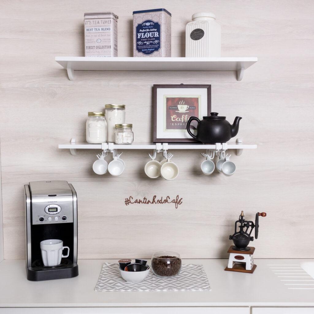 Suporte organizador de xícaras para armário